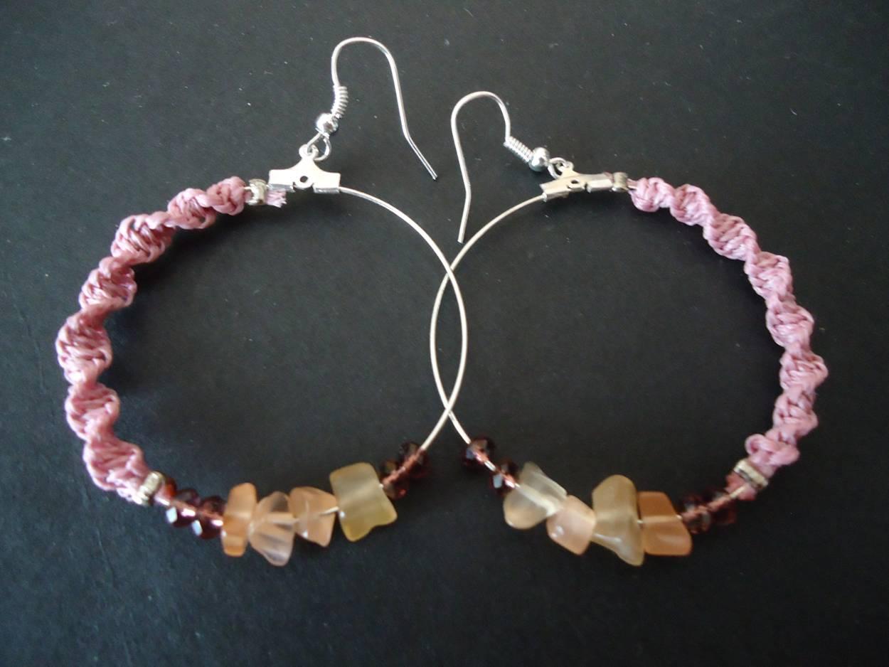 Hoop earrings with spiral pattern