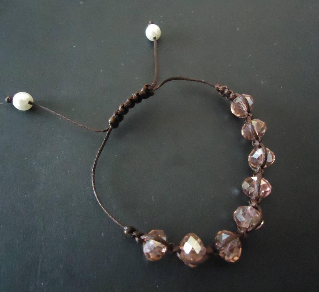 Macrame bracelet with glass beads
